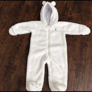 Carter's 9m White Snow Outfit